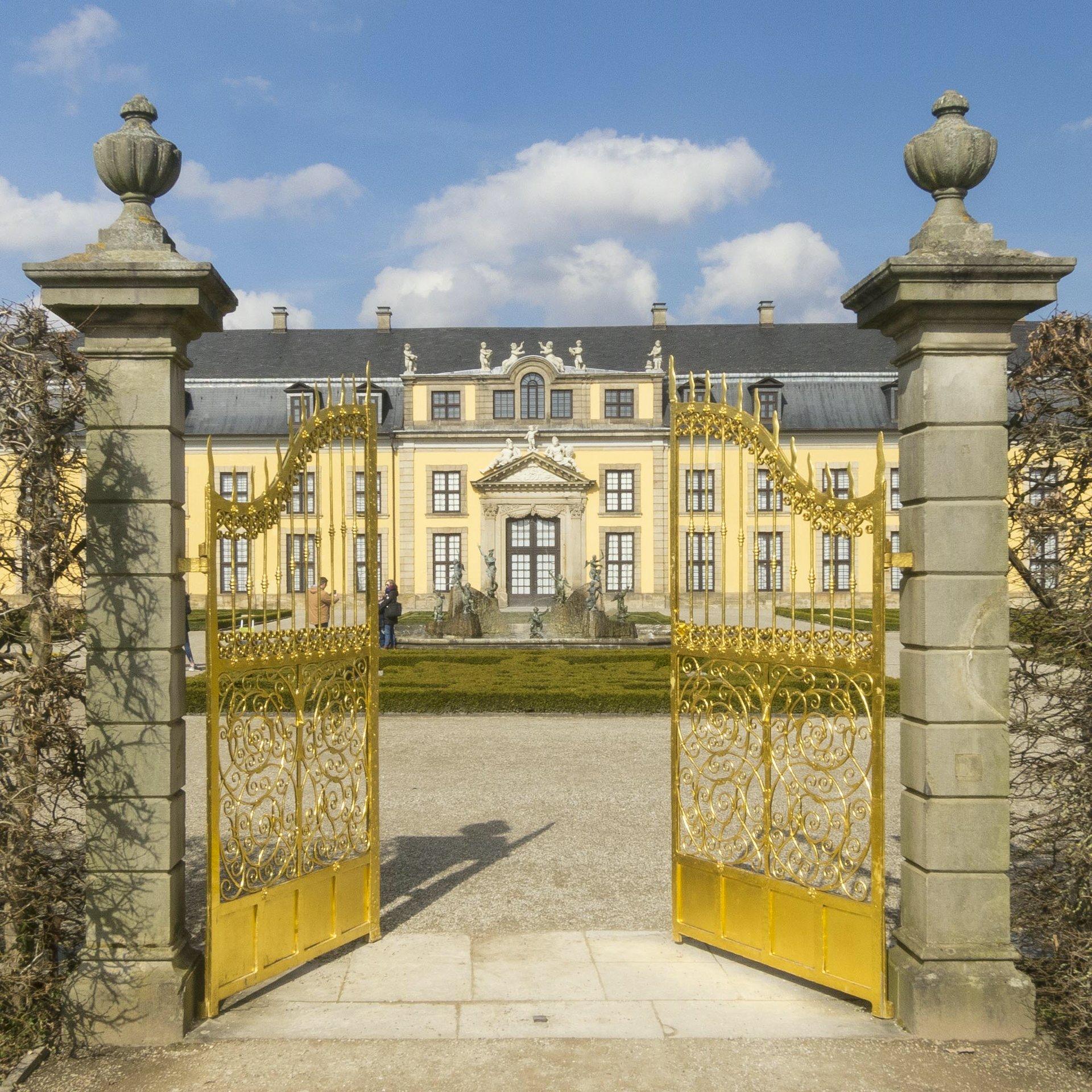 Das goldene Tor und die Galerie im Großen Garten