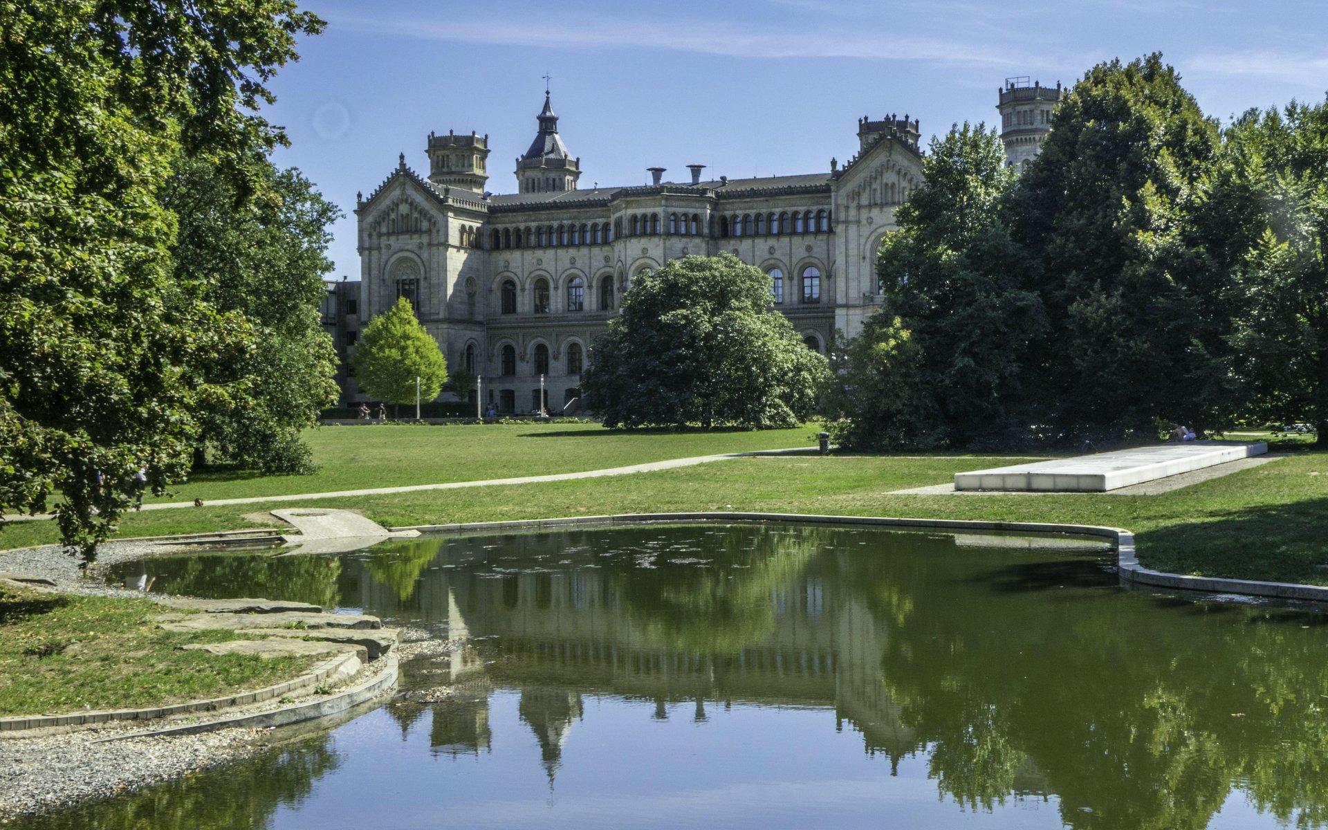Universität Hannover im Welfengarten