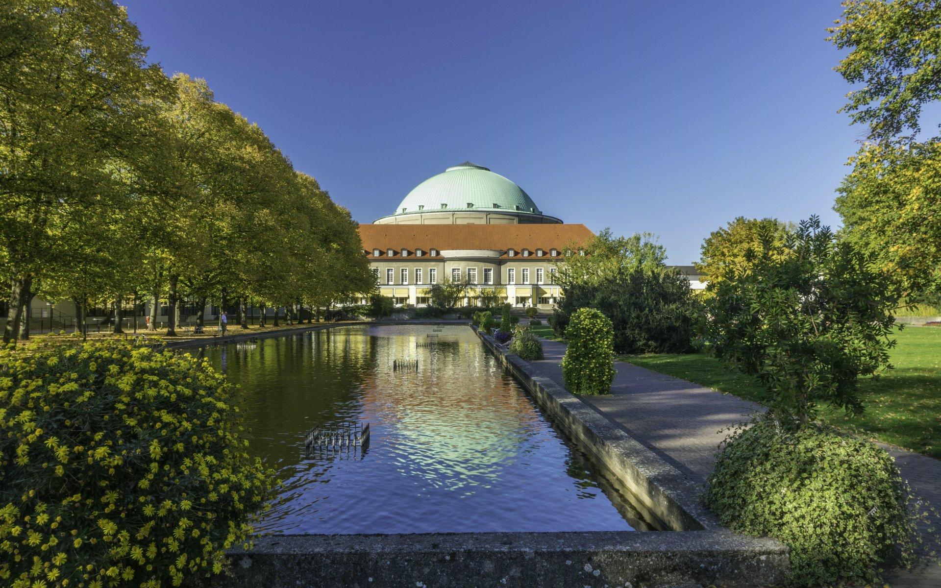 Fontänengarten und Kuppelsaal im Stadtpark