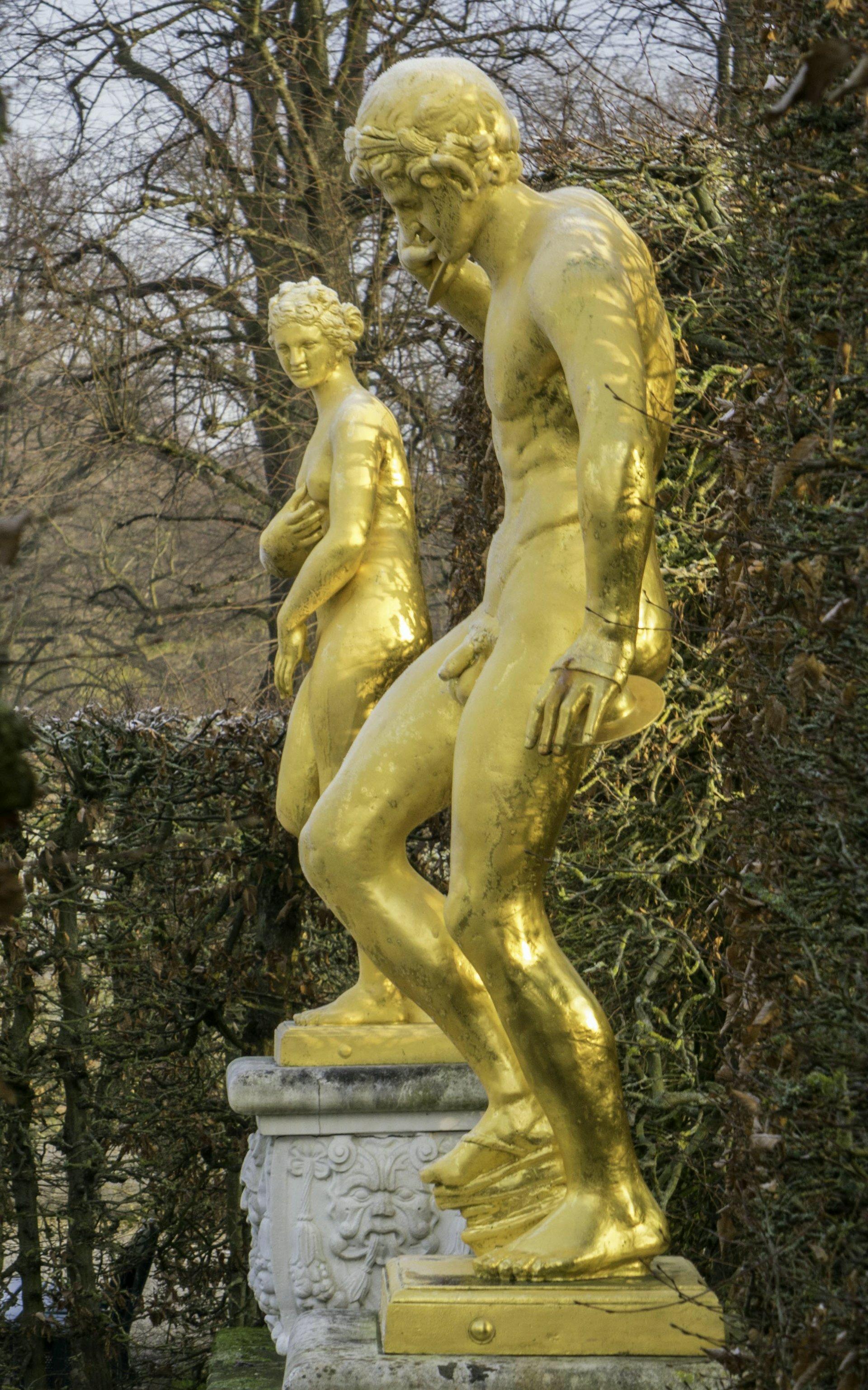 Venus Medici und Zimbelspieler im Gartentheater des Großen Gartens