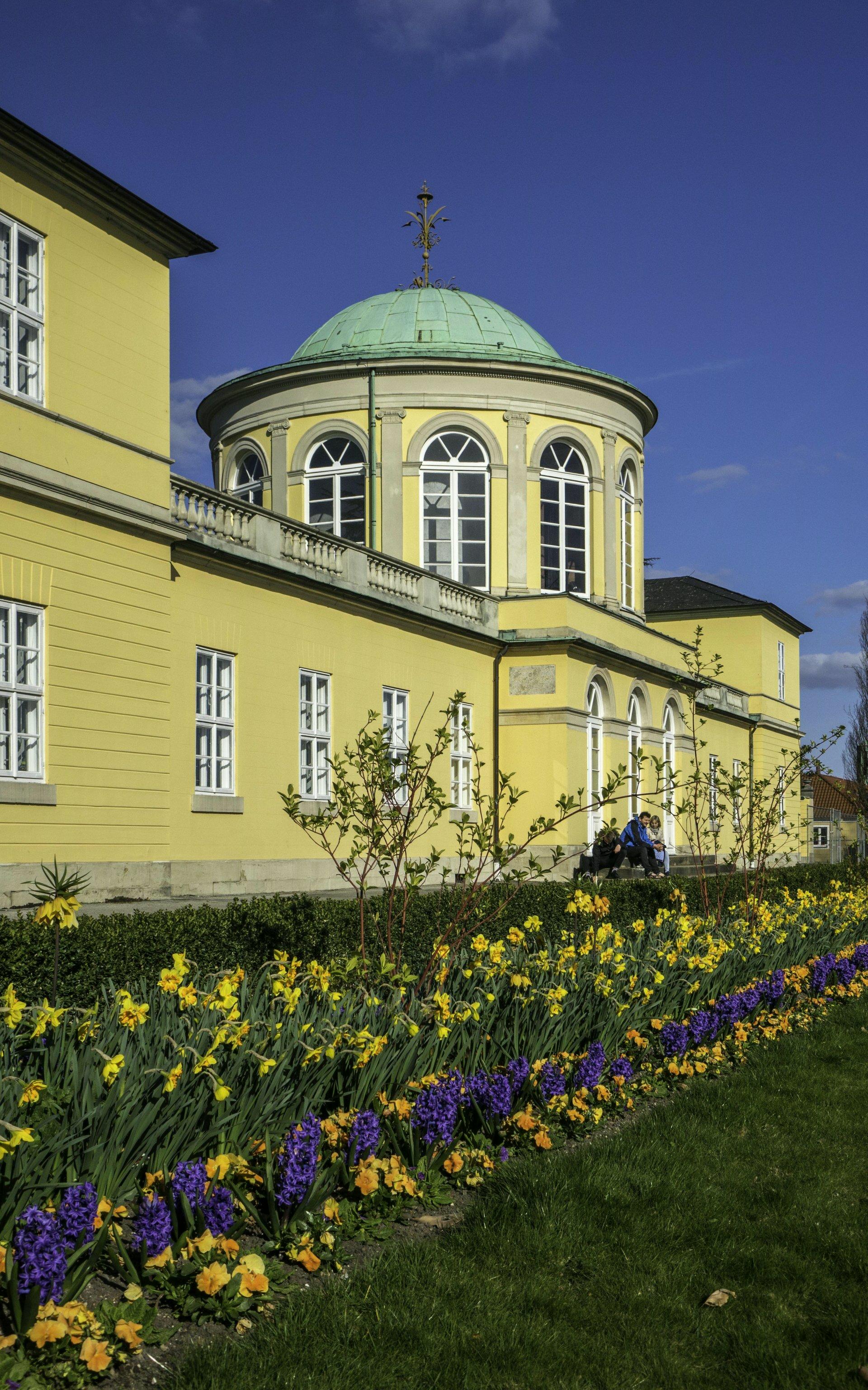 Bibliothekspavillion vor dem Berggarten