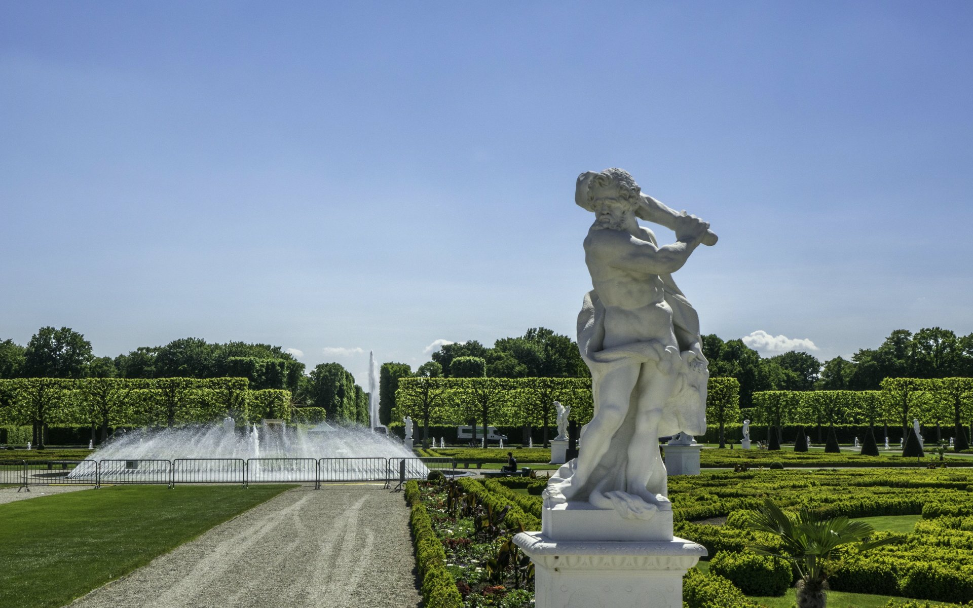 Herkules mit Stier im Parterre des Großen Gartens
