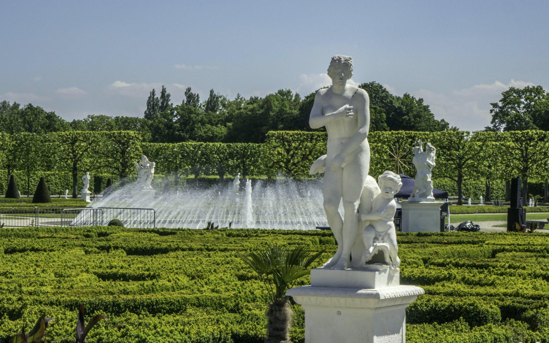 Venus Medici mit Armor und Delfin im Parterre des Großen Gartens