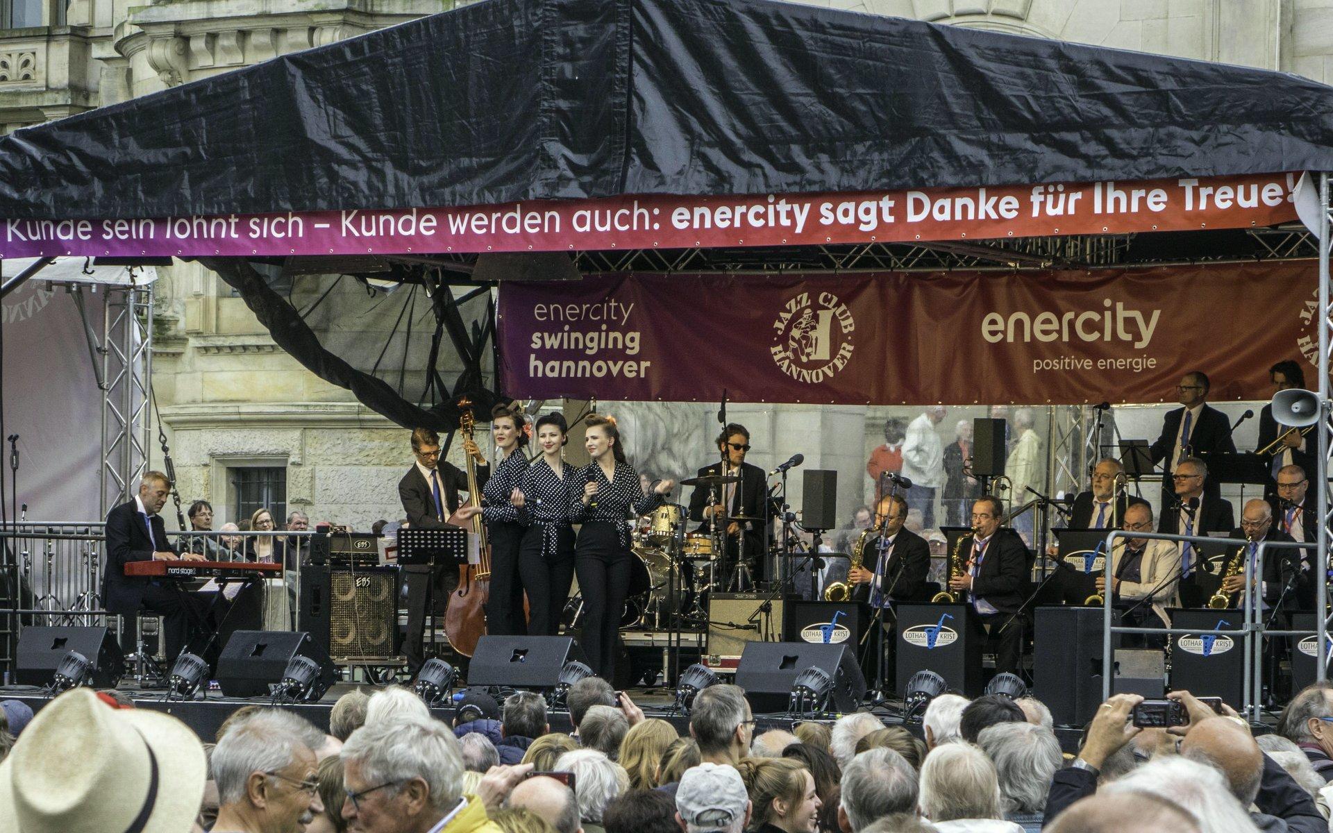 Lothar Krist Hannover Big Band mit den Singin' Birds