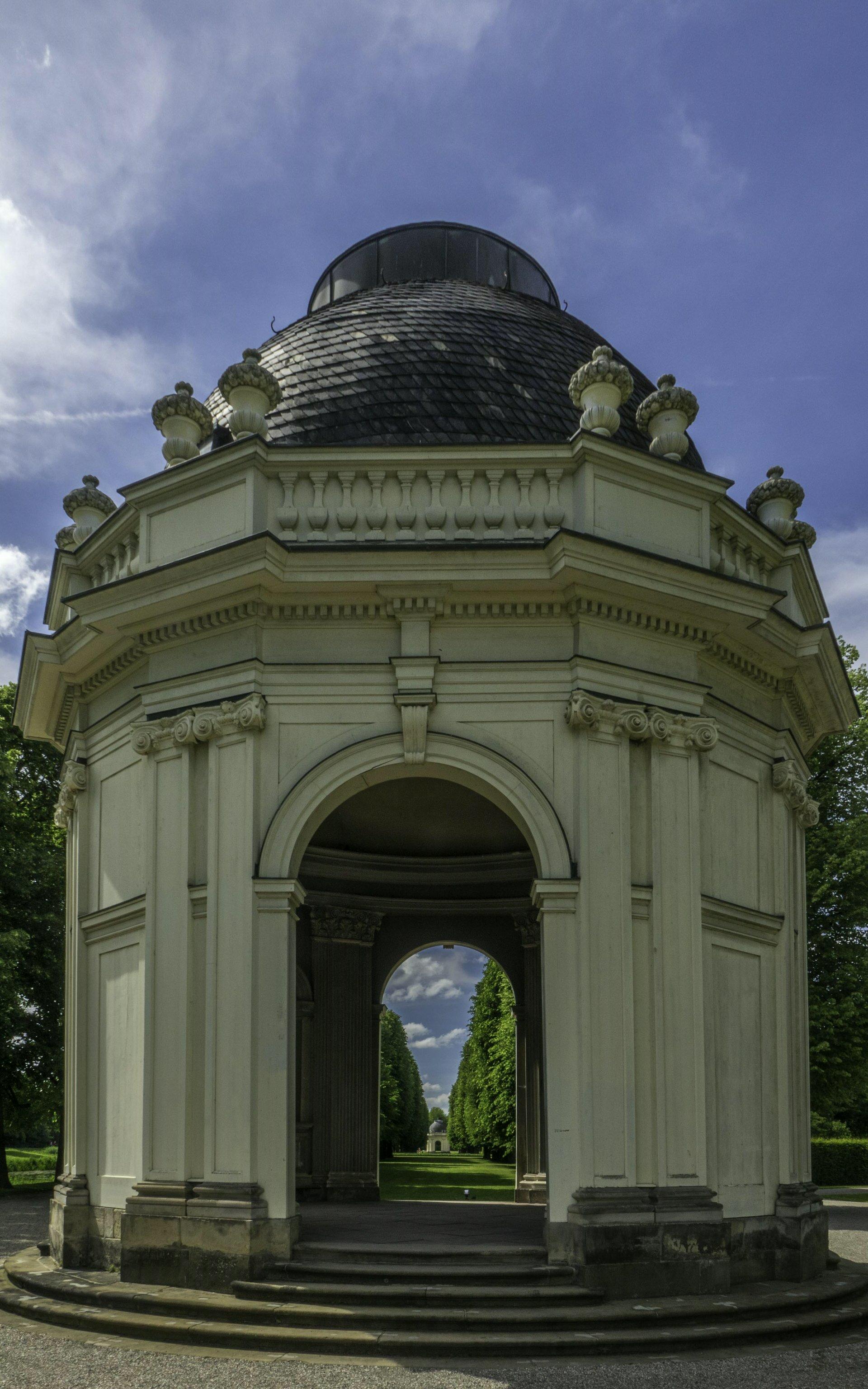 Tempel Rémy de la Fosse im Großen Garten