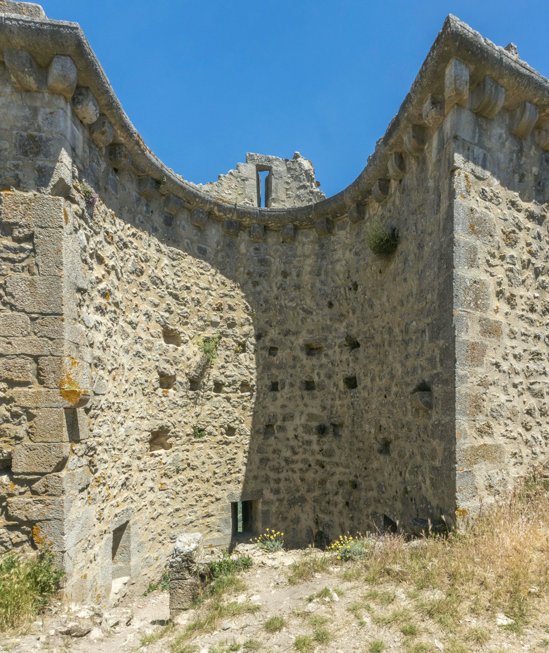 Turm der ersten Ringmauer vom Château de Peyrepertuse