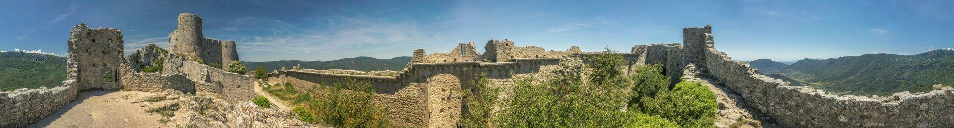 360° Panorama der ersten Ringmauer vom Château de Peyrepertuse