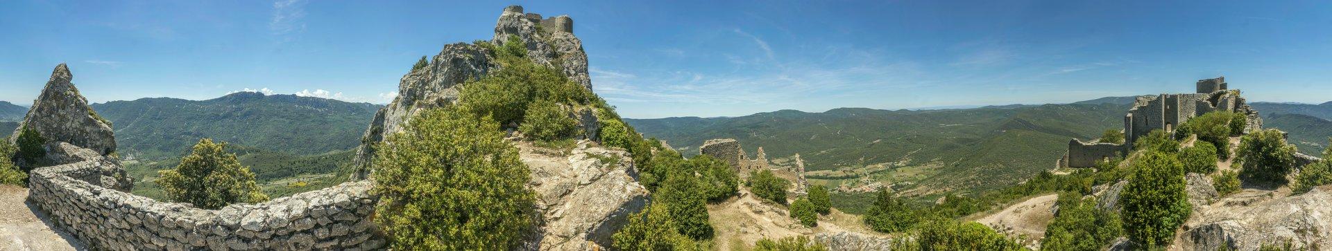 360° Panorama der mittleren Ringmauer vom Château de Peyrepertuse
