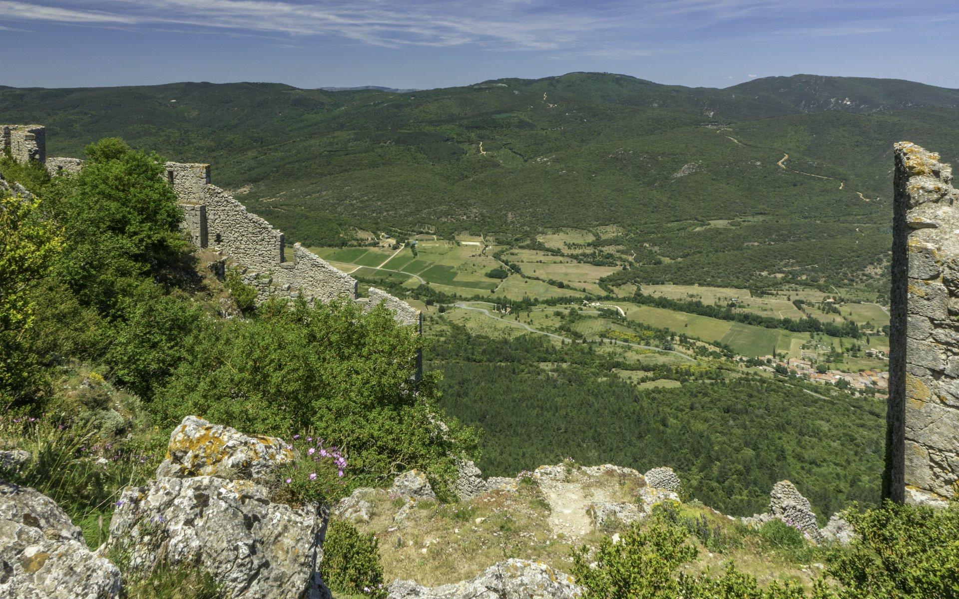 Mittlere Ringmauer vom Château de Peyrepertuse