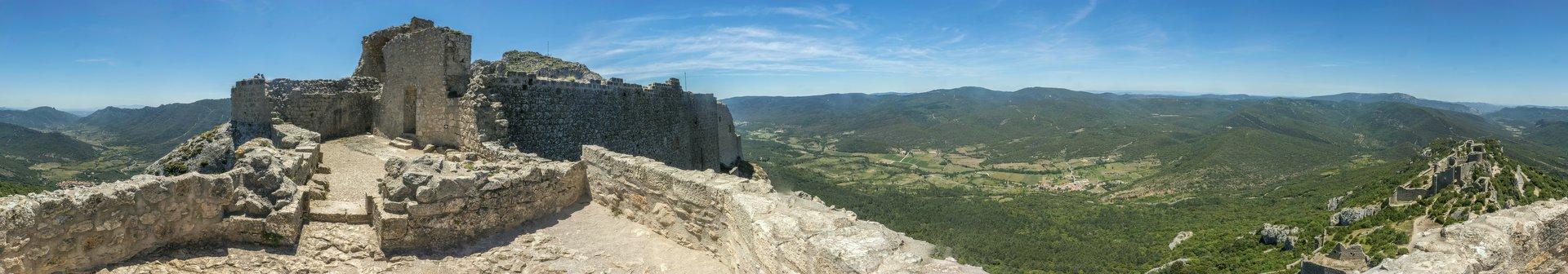 360° Panorama vom Donjon der oberen Burg vom Château de Peyrepertuse