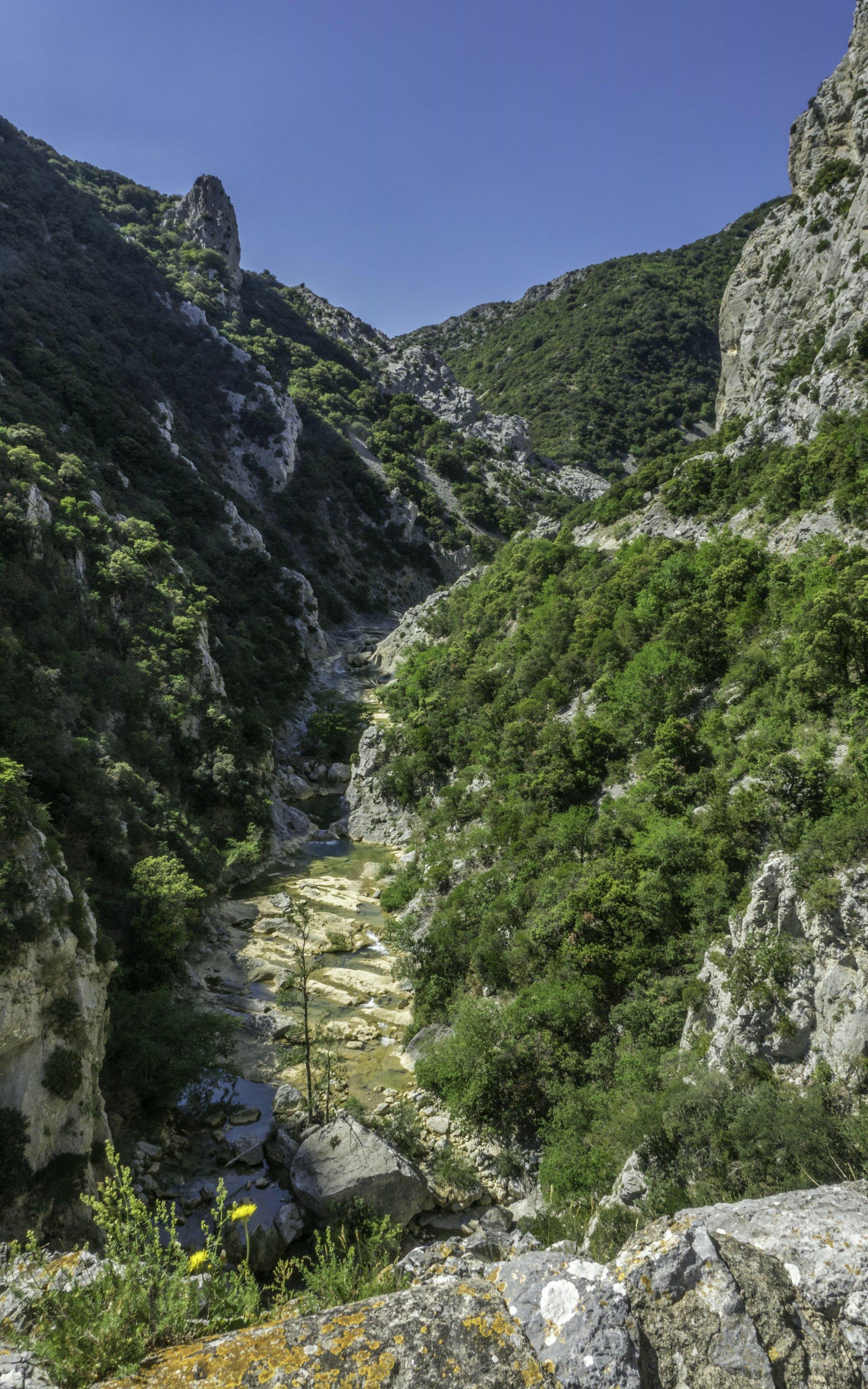 Agly nördlich der Gorges de Galamus