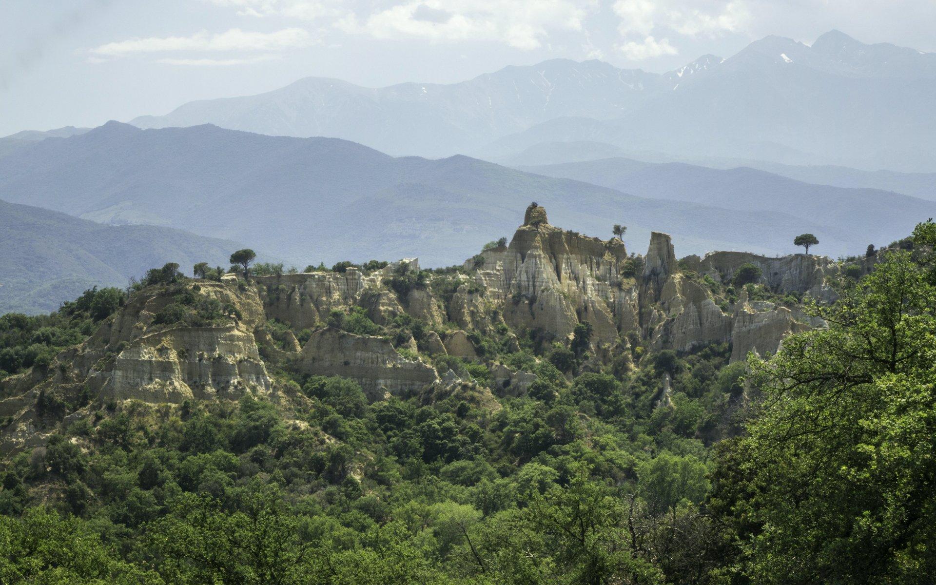 Blick nach Süden auf den Canigou vom Belvédère Orgues d'Ille