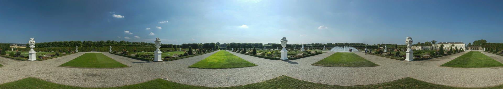 360° Panorama des Parterres bei den Prunkvasen der Jahreszeiten im Großen Garten