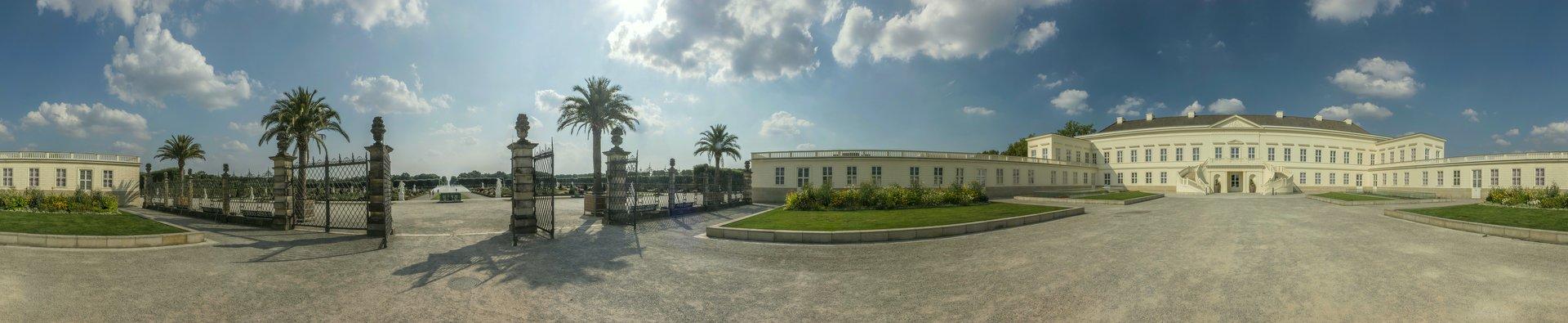 360° Panorama des Schlossinnenhofes im Großen Garten