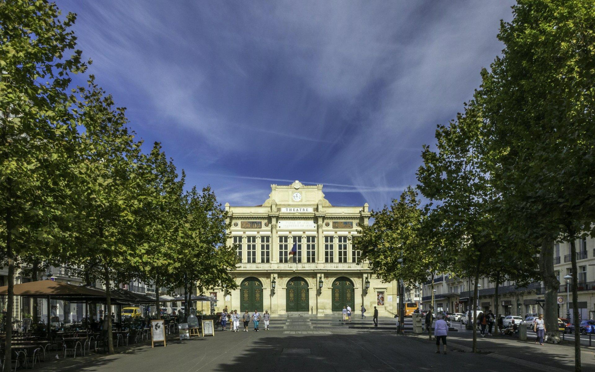 Théâtre Municipal an der Allées Paul Riquet in Béziers