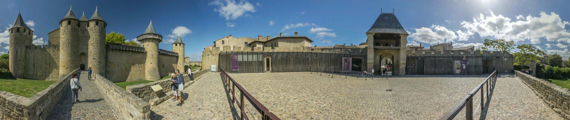 Porte de l'Est des Château Comtal in der Cité Carcassonne