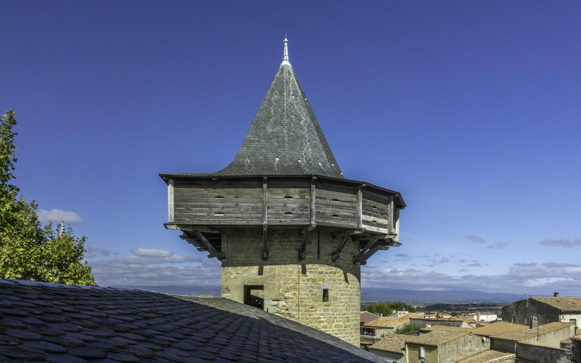 Tour des Casernes des Château Comtal in der Cité Carcassonne