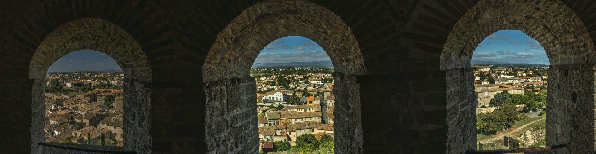 Blick aus dem nördlichsten Turm der inneren Stadtmauer der Cité Carcassonne