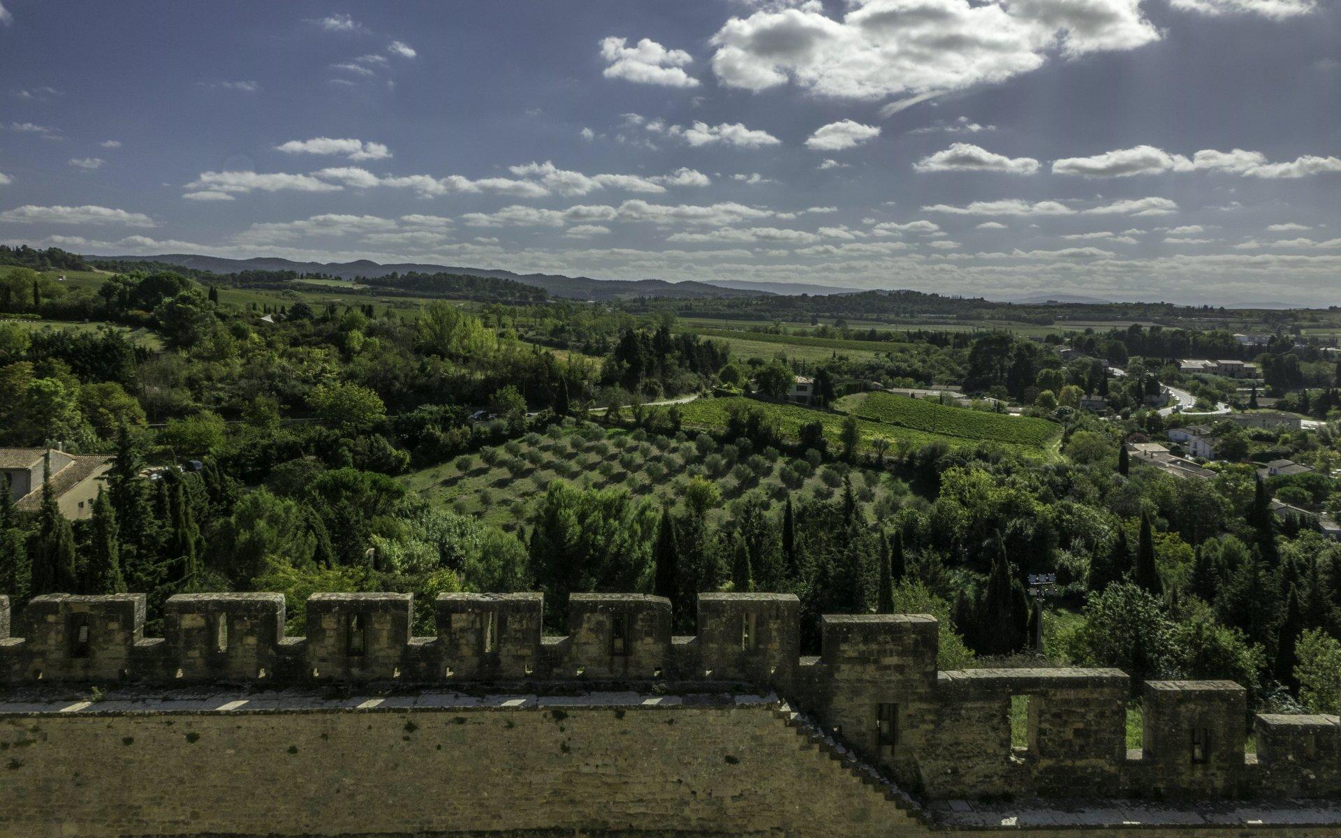 Blick nach Süden von der südlichen inneren Stadtmauer der Cité Carcassonne