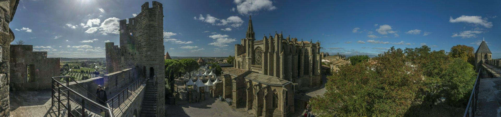 Panorama mit der Basilique Saint-Nazaire in der Cité Carcassonne