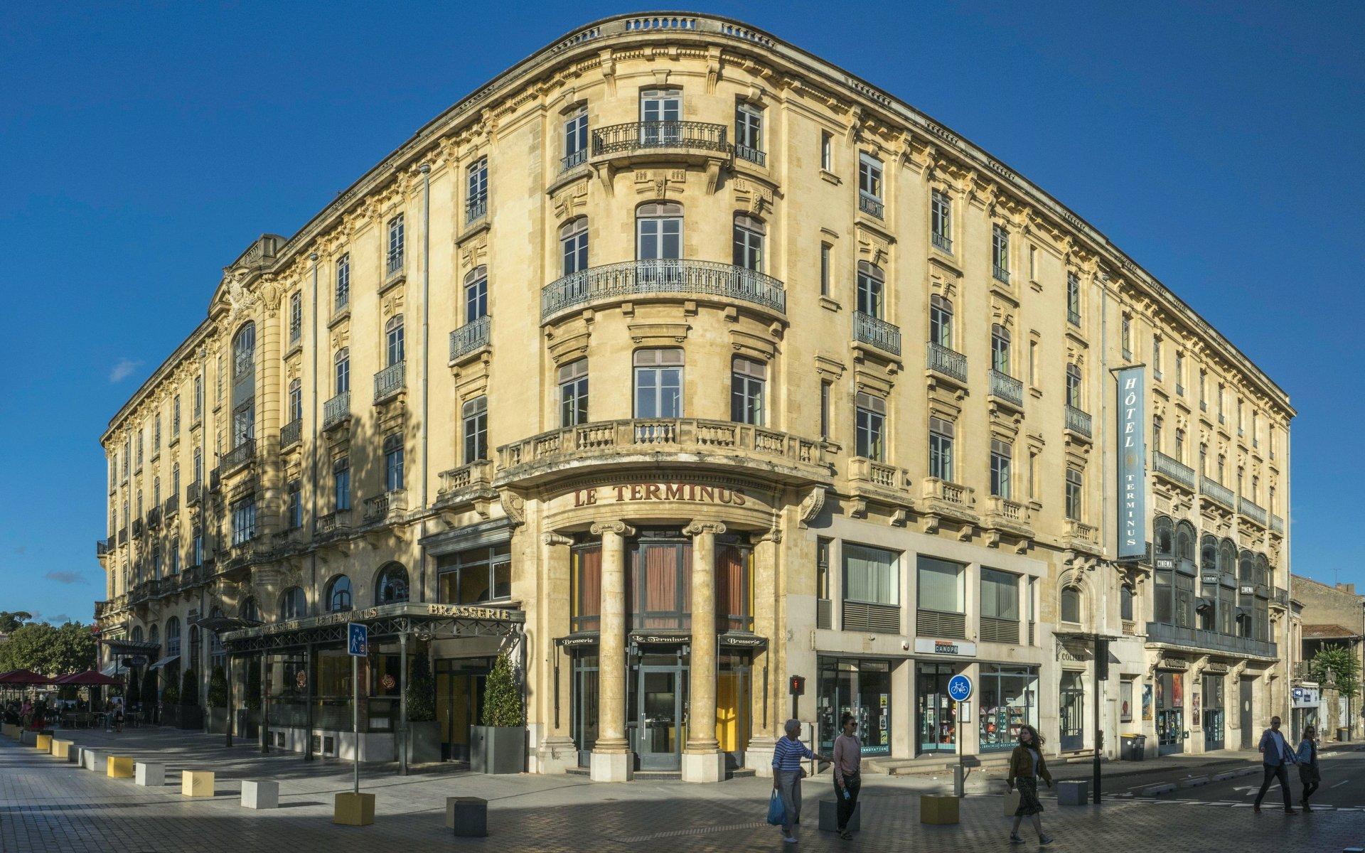 Kreuzung Boulevard Omer Sarraut und Rue du Maréchal Joffre in Carcassonne