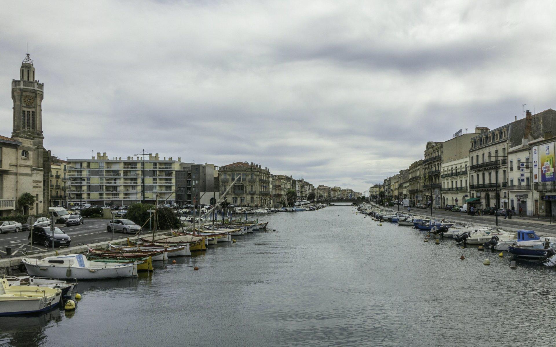 Canal de Sète südlich der Pont Virla in Sète