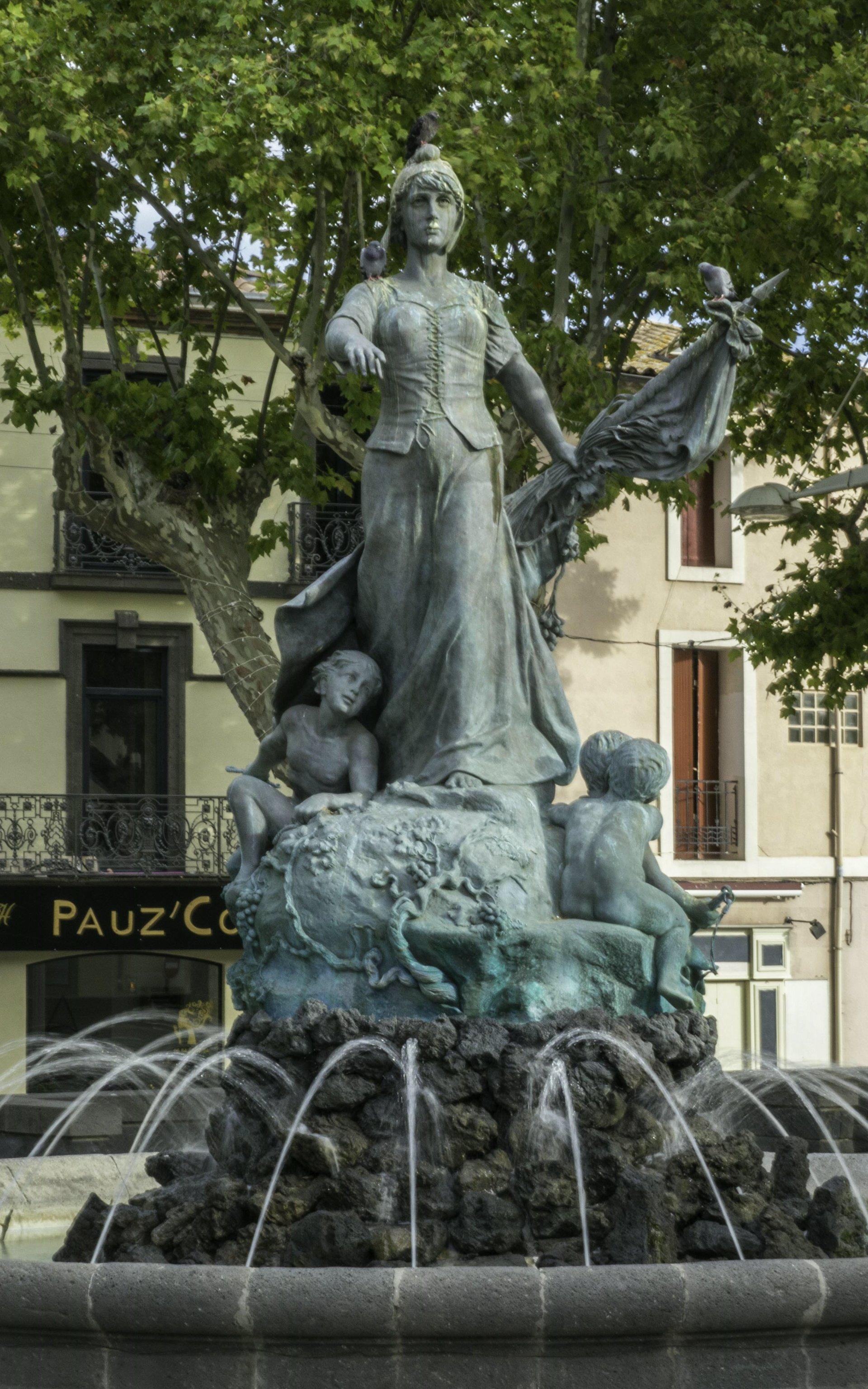 Brunnen auf der Rue du 4 Septembre in Agde