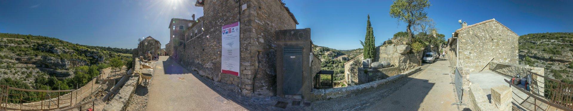 360° Panorama von der Rue de la Tour in Minerve
