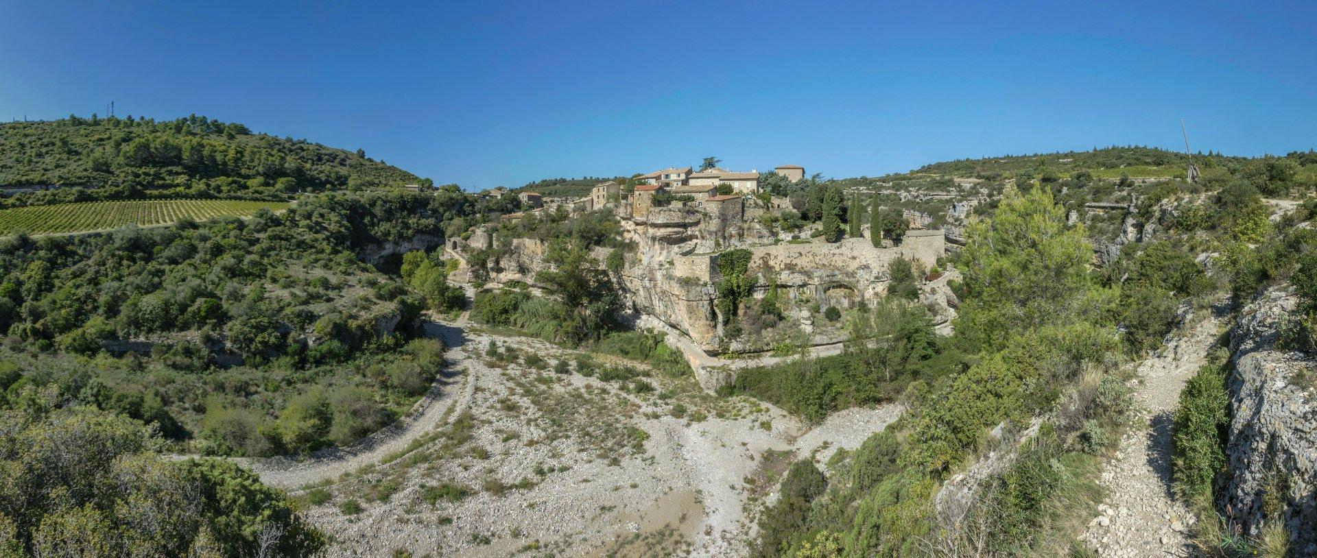 Panorama von Süden auf Minerve
