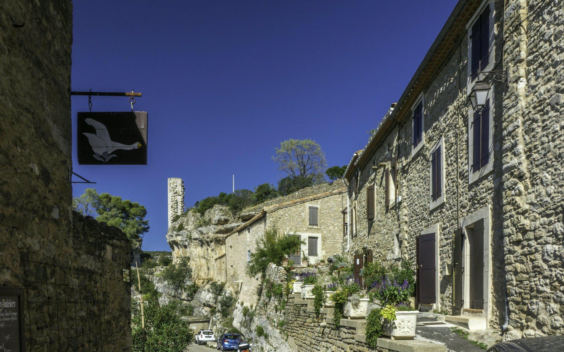 Rue des Cabarets in Minerve