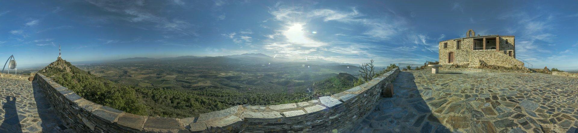 360° Panorama vor der Eremitage auf dem Força Réal